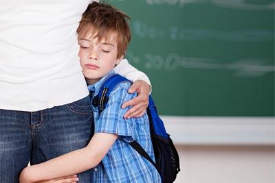 پرستار کودک در منزل | کم کم کودک را عادت دهید که مدت زمانی از شما دور بماند