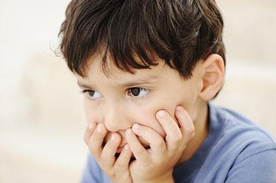 پرستار کودک در منزل | کودک مبتلا به اوتیسم می تواند وارد مدرسه عادی شود