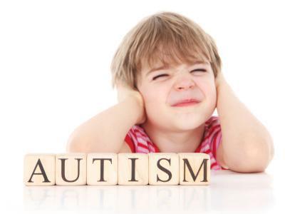 پرستار کودک در منزل | تشخیص اوتیسم در بدو تولد ممکن نیست