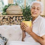 پرستاری از سالمند خانم سالم در منزل