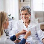 مراقبت از سالمند خانم که ام اس دارن