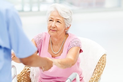 مراقبت از سالمند خانم پوشکی ، مترو سبلان