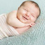 انجام امور منزل و مراقبت از نوزاد سه ماهه