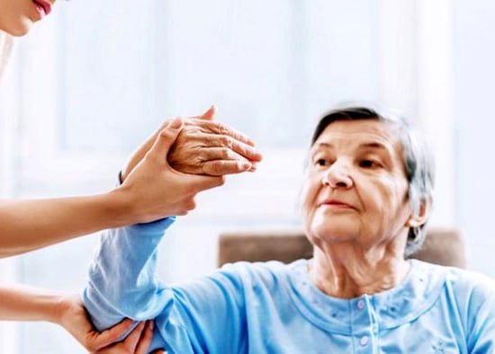 مراقبت از سالمند خانم ، شهر ری