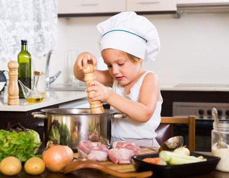 امور منزل و آشپزی برای زوج سالمند ، تهران پارس