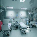 همراه بیمار خانم در بیمارستان فیاض بخش